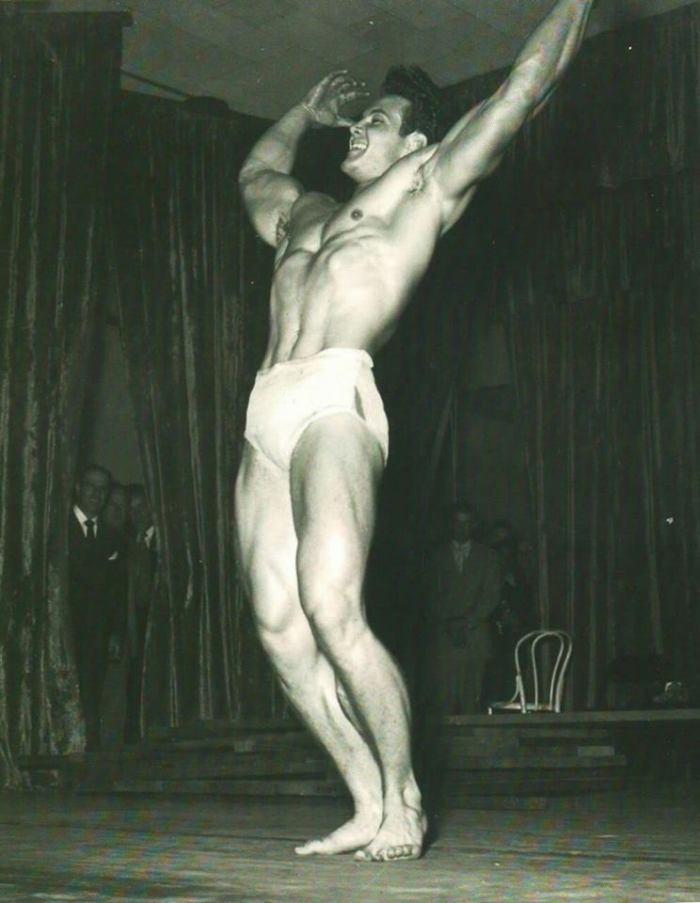 Steve Reeves Posing part 8