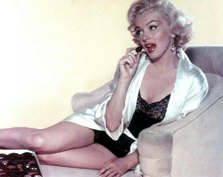 Marilyn Monroe by John Florea 1953
