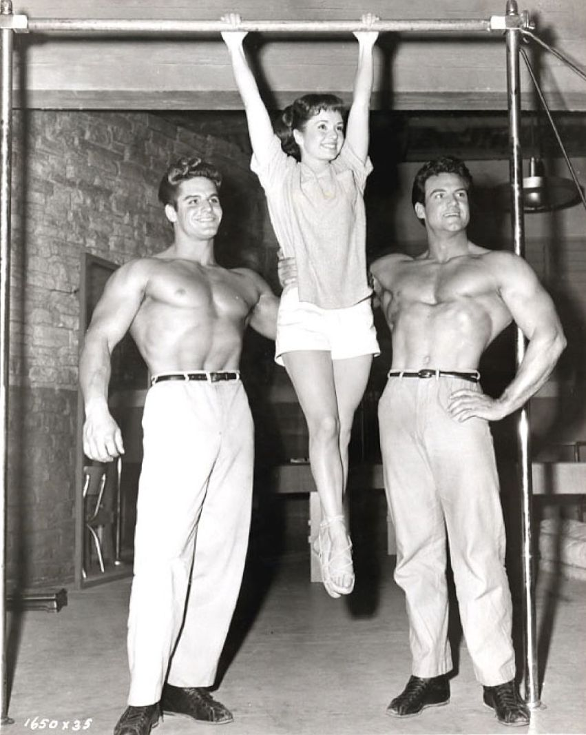 Richard Dick Dubois, Debbie Reynolds, and Steve Reeves Posing