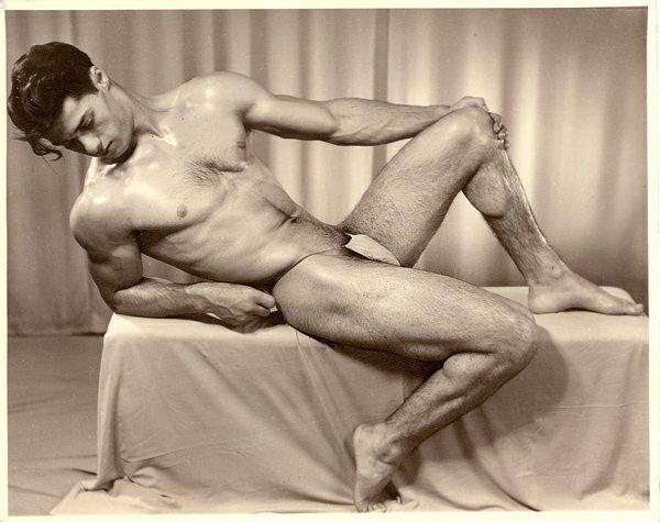 Ray Belloni Posing