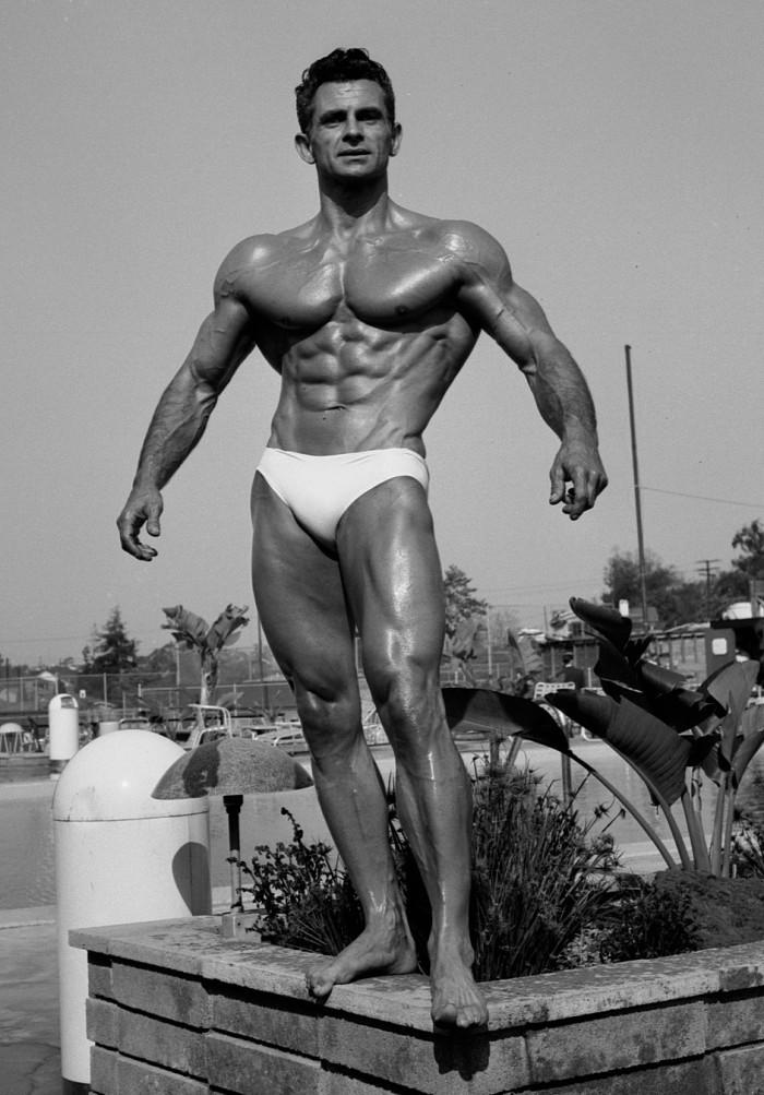 Vince Gironda Posing 3