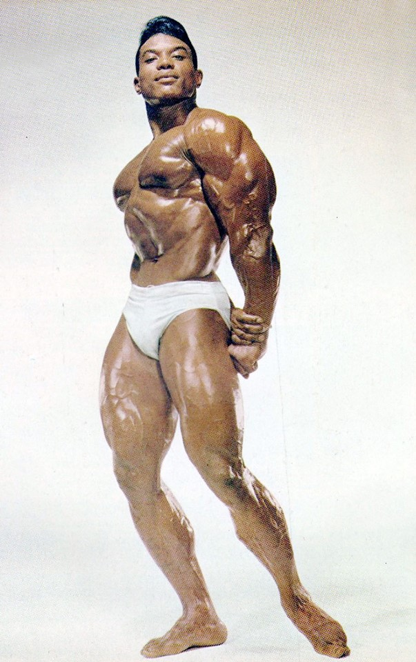 Sergio Oliva Posing part 14