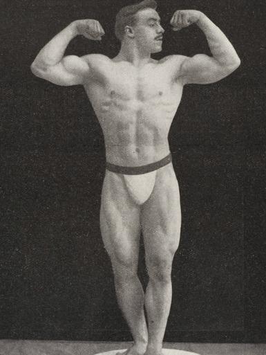 Maurice Deriaz Posing