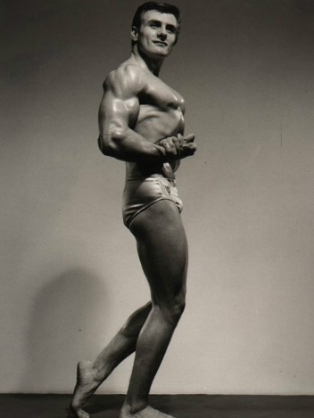 Raymond Everlet Posing