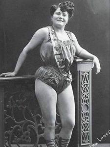 Maria Loorberg Posing