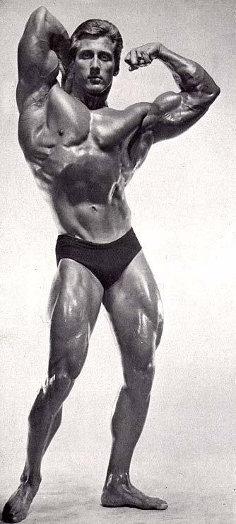 Frank Zane Posing