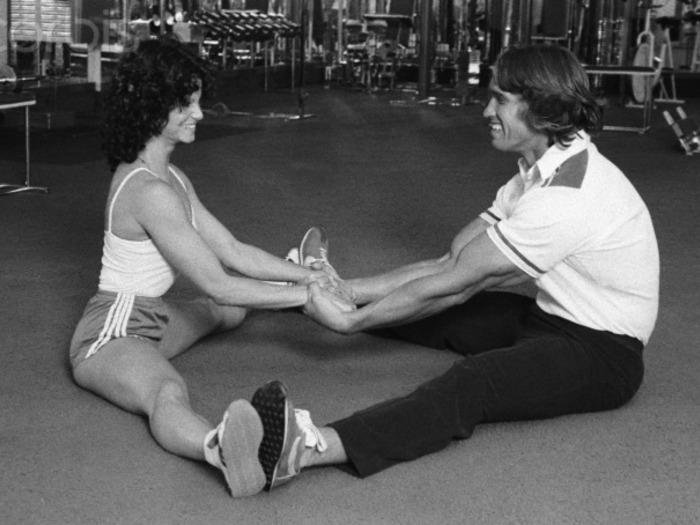 Lisa Lyon and Arnold Schwarzenegger Posing