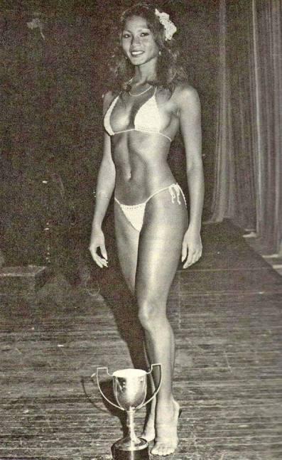 Sandra Kong Posing