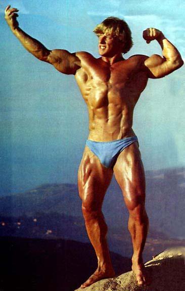 Andreas Cahling Posing
