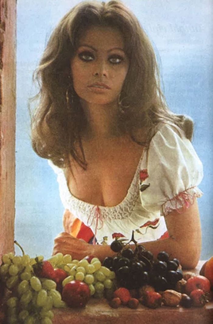 Sophia Loren with Fruit