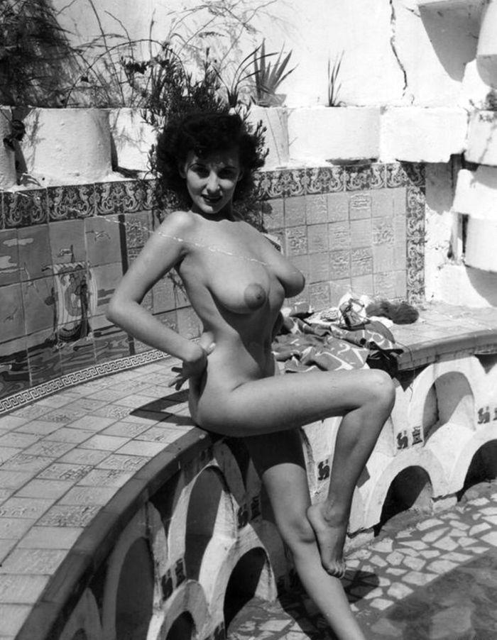 Donna May Brown Posing