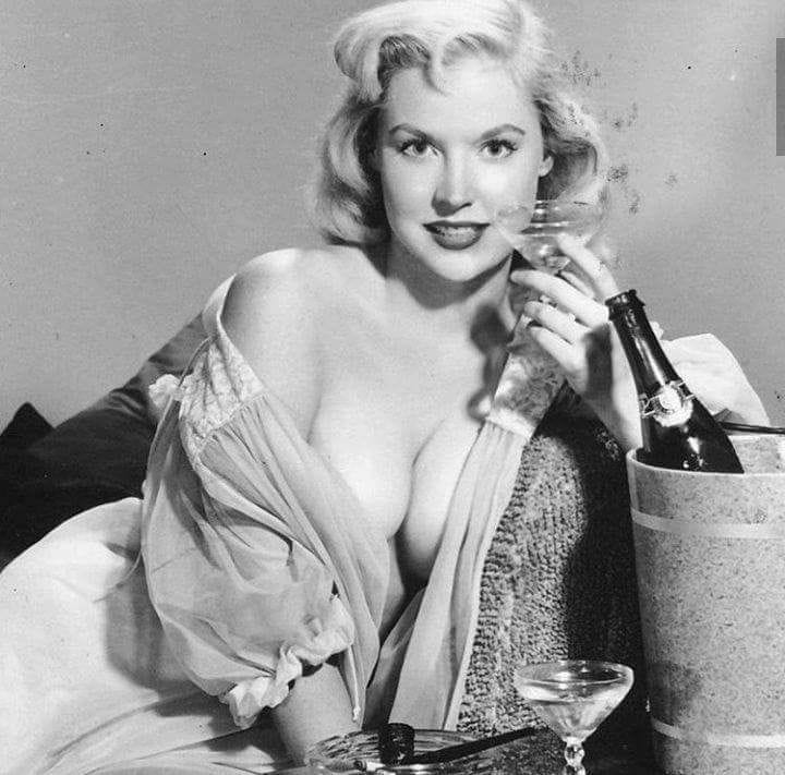 Betty Brosmer Posing part 19
