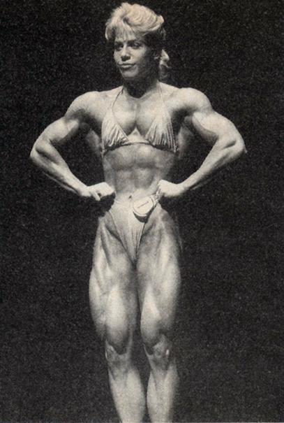 Della Wagnon Posing