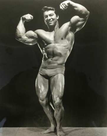 Larry Scott Posing part 10