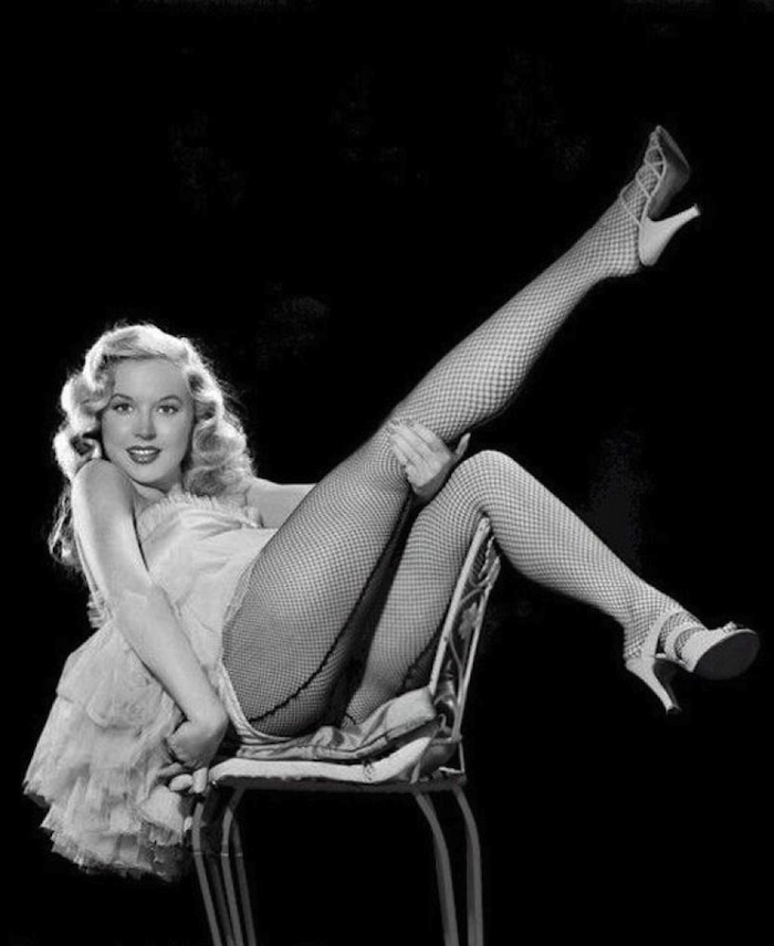 Betty Brosmer Posing part 24