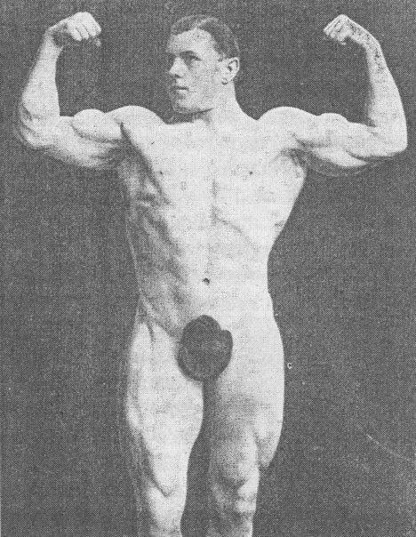 George Hackenschmidt Posing