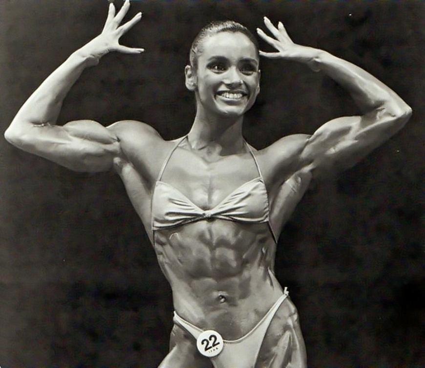 Gladys Portugues Posing part 12