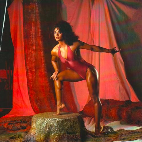 Gladys Portugues Posing part 14