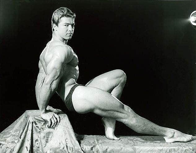 Larry Scott Posing part 12