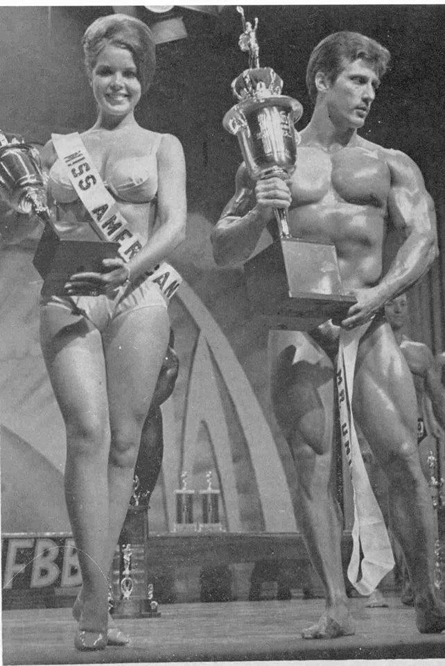 Sandy Nista and Frank Zane Posing