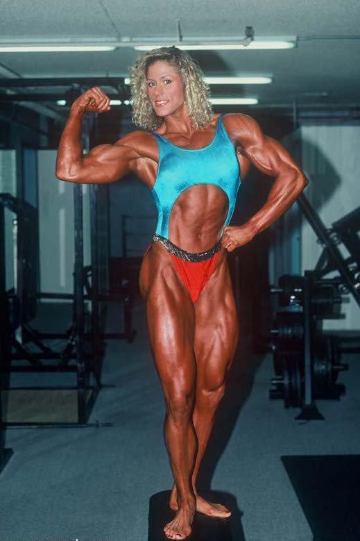 Shelley Beattie Posing