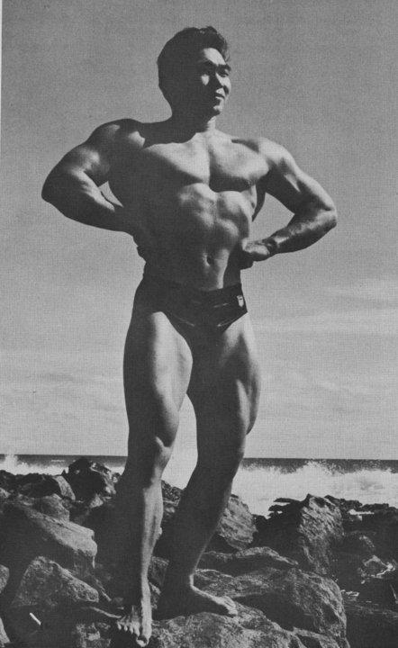Tommy Kono Posing part 2